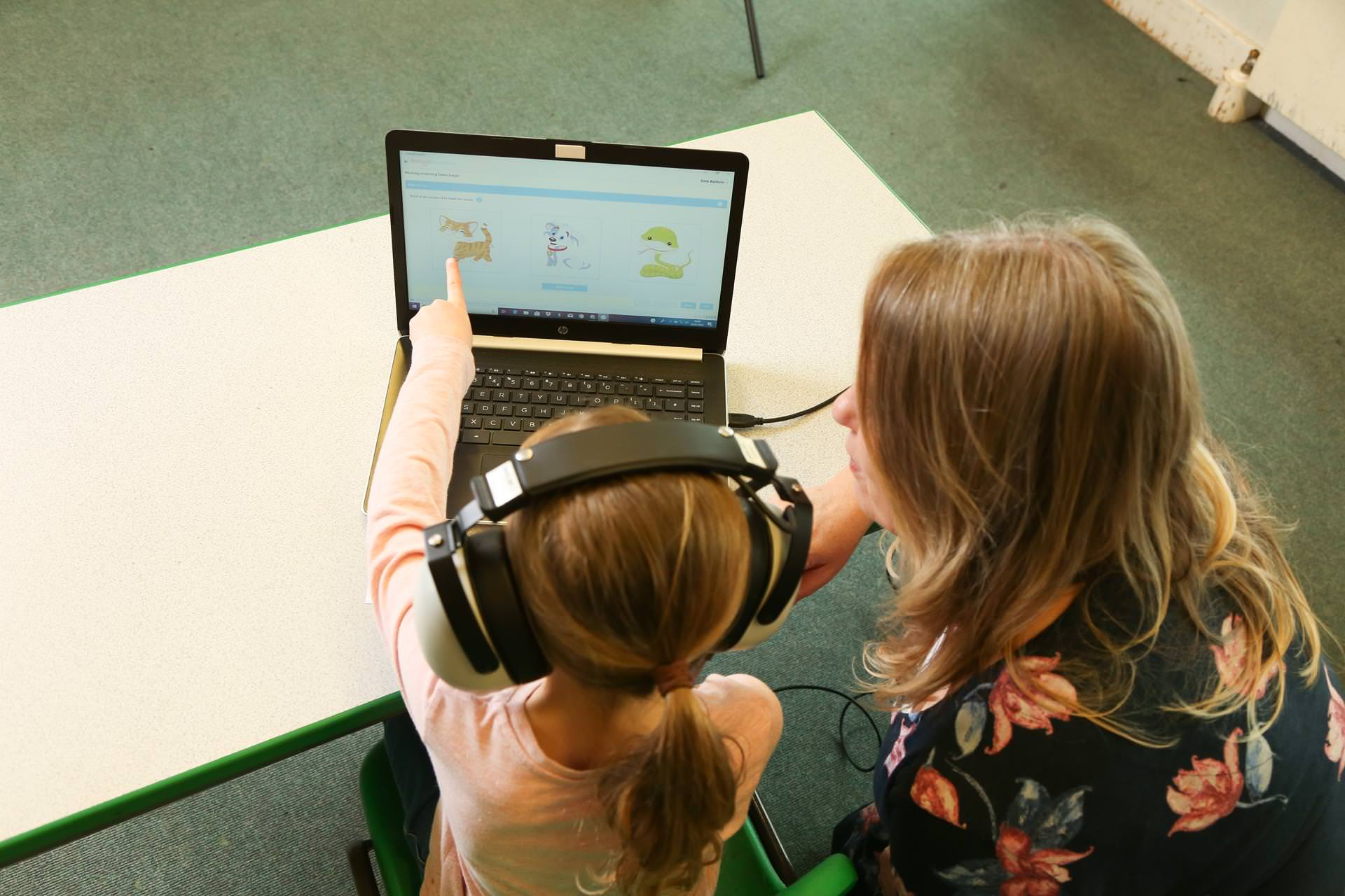 schoolscreener-hearing-screening-in-school